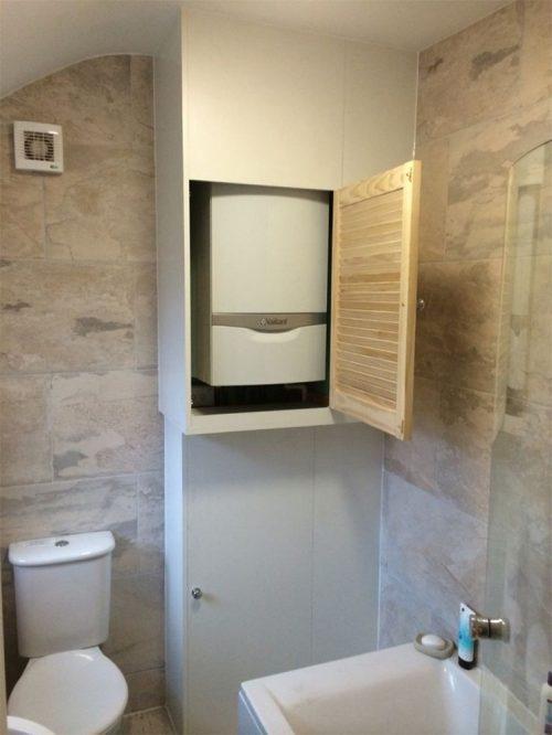 cacher sa chaudière dans un placard dans la salle de bain