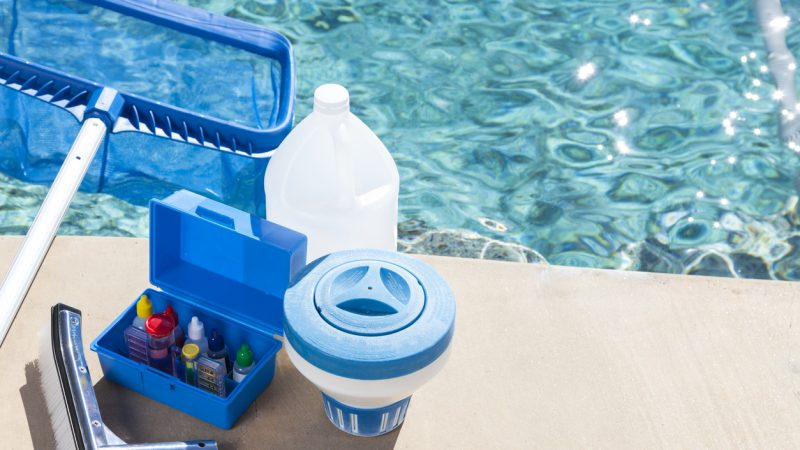Nettoyer une piscine hors sol