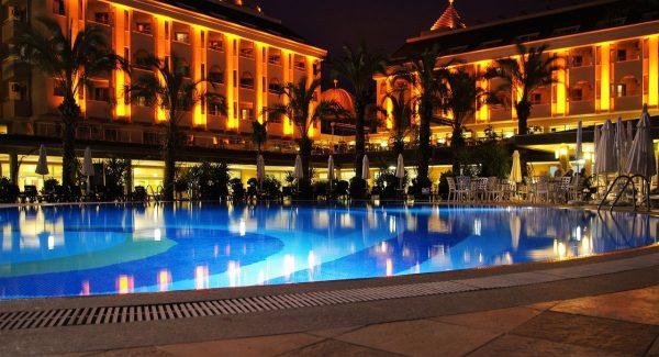 aménagement éclairage de piscine